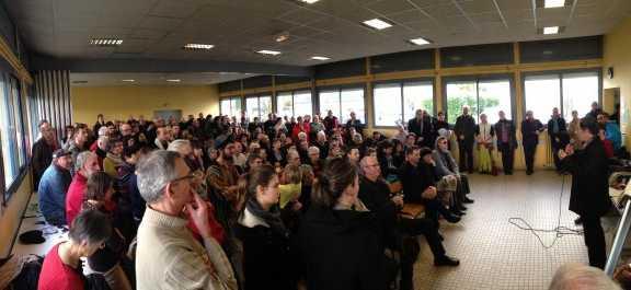 Débat organisé au centre social de Chemillé (Maine et Loire) le samedi 10 janvier pour réagir aux attentats parisiens.